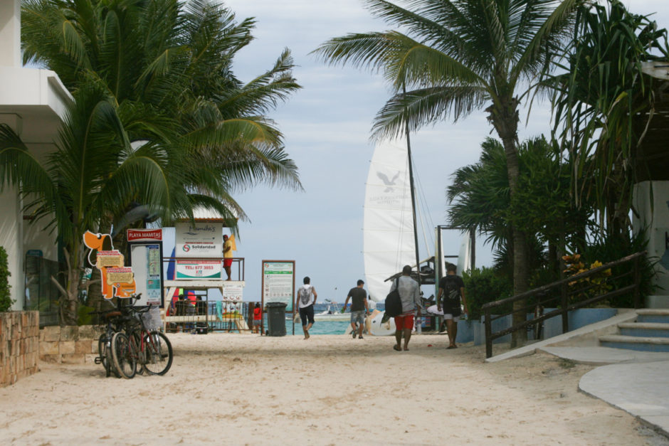Mamitas beach entrance
